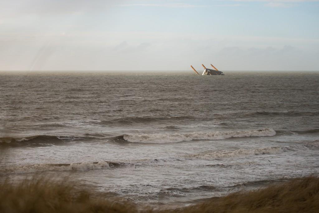 Vindmølleriggen der under stormen forliste ved nymindegab.